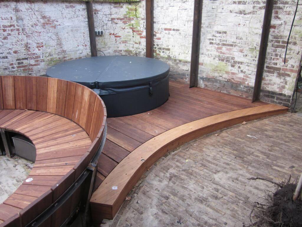Renovatie binnentuin met hottub booiman van dijk tuinen - Gespannen terras ...