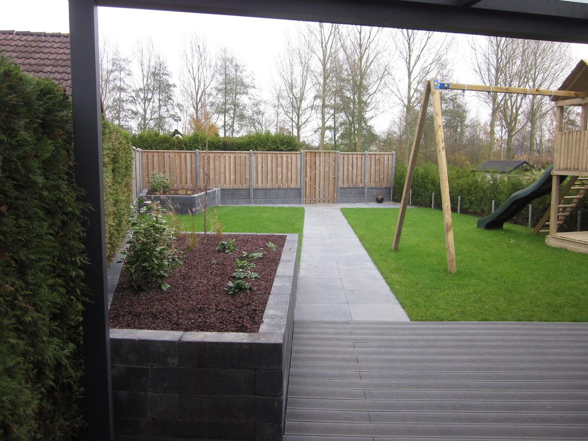 Tuinen in spijk hovenier van dijk tuinen groningen - Inrichting van het terras ...