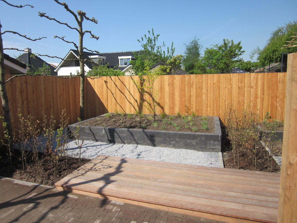 Hovenier van dijk tuinen groningen vernieuwing en drainage for Tipos de terreno